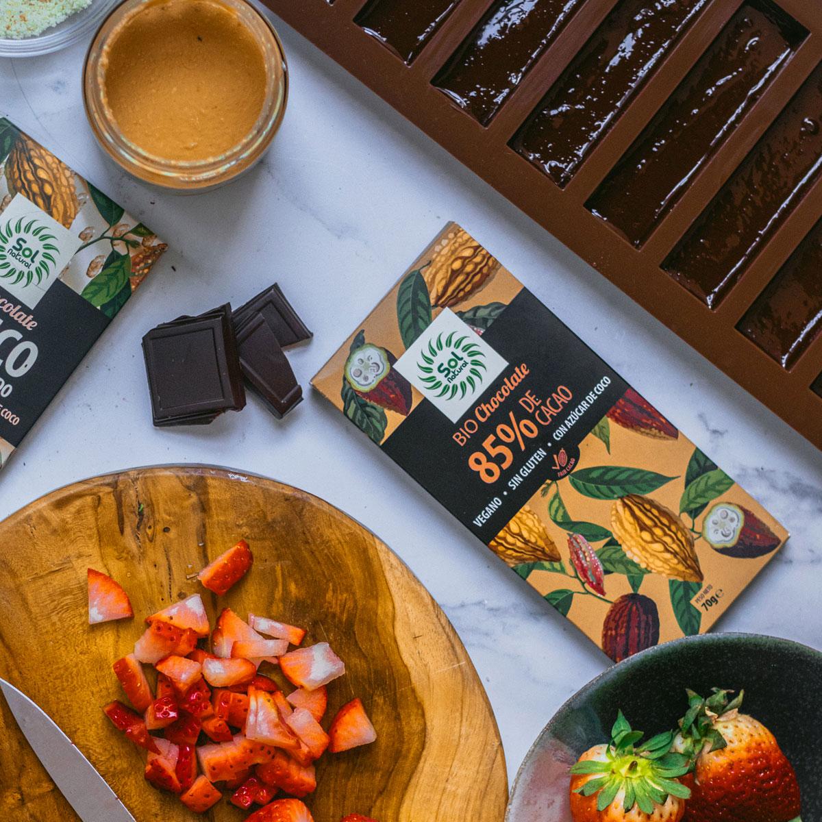 Barritas Veganas de dos Chocolates con Fresas