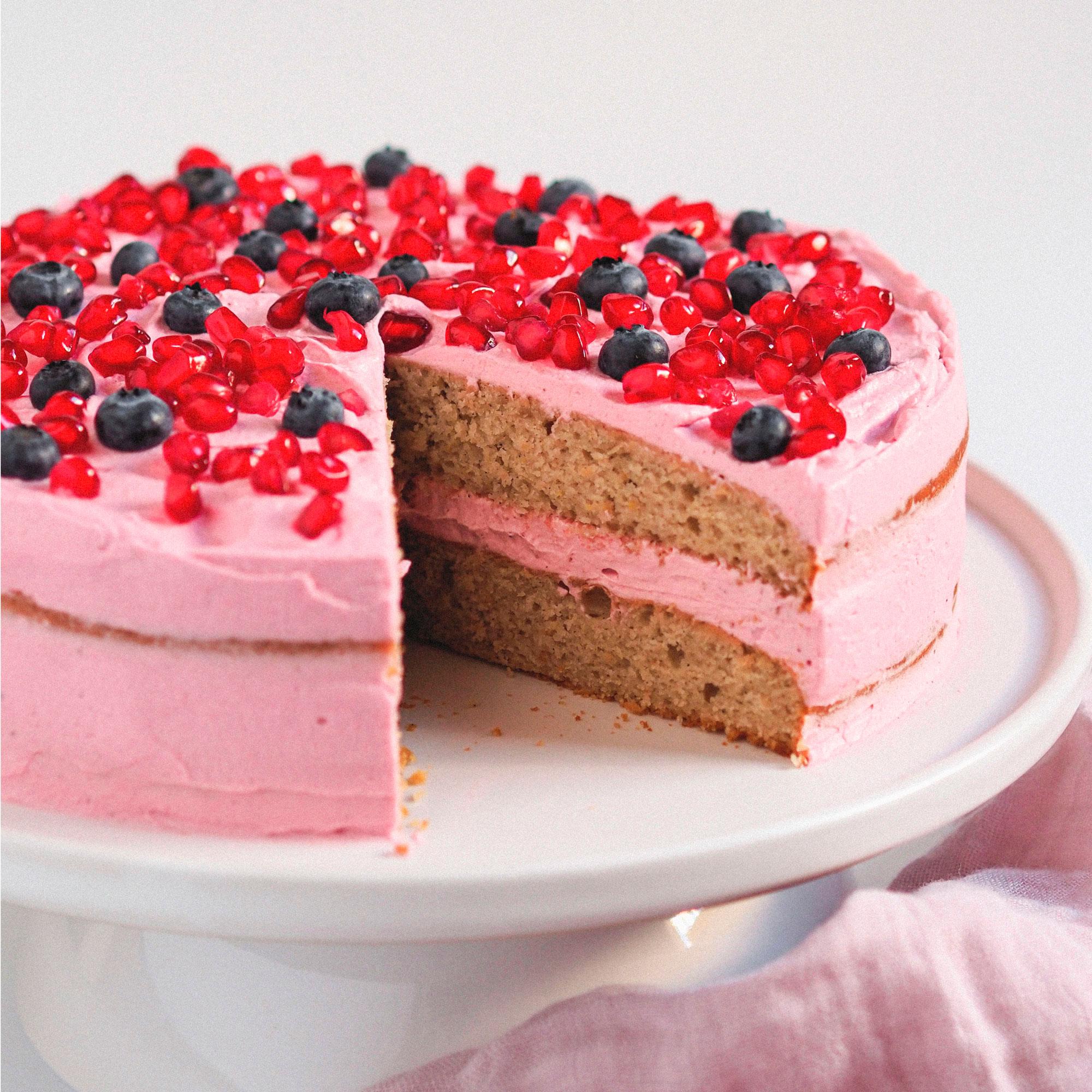 Two layer cake romántica