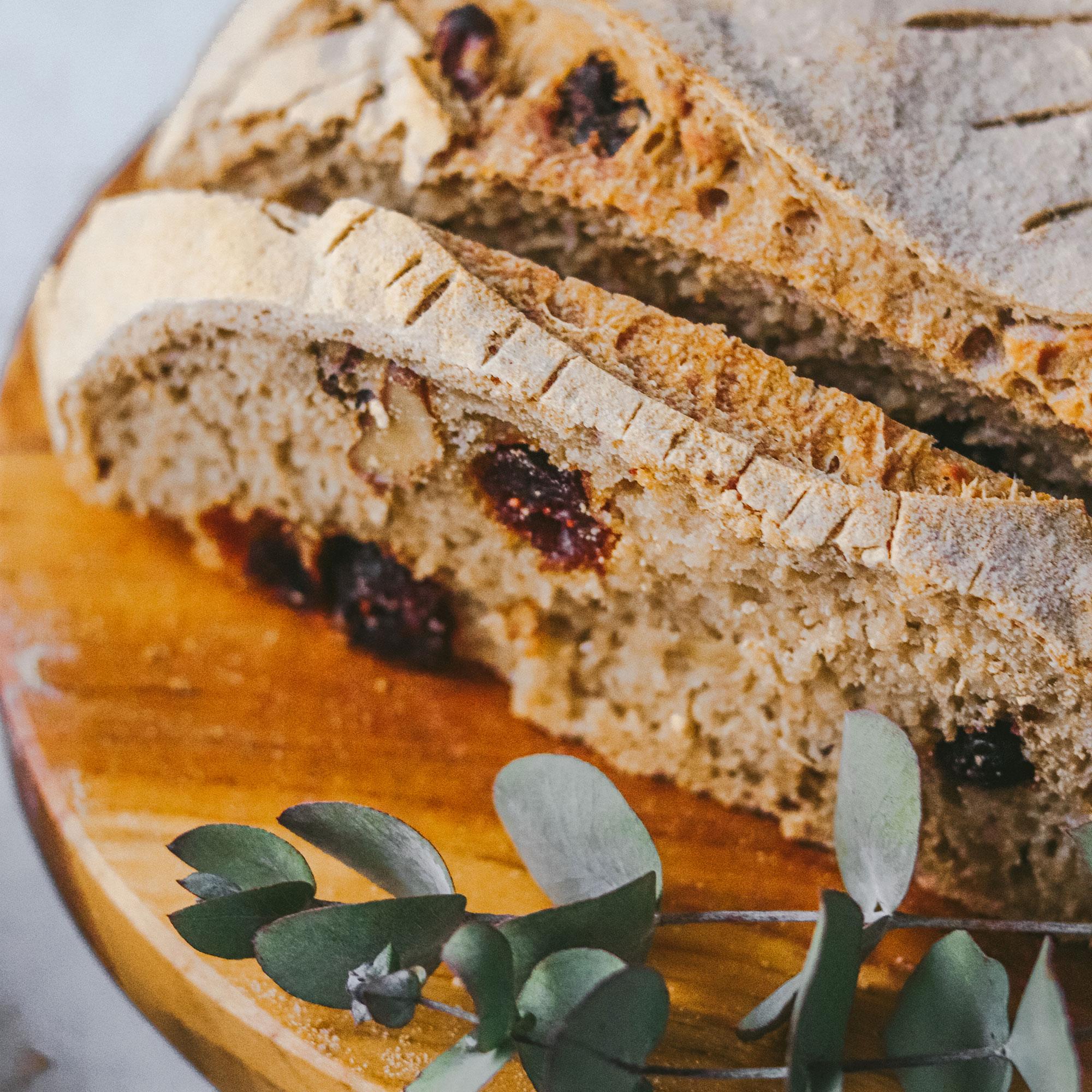 Pan sin gluten con arándanos y nueces